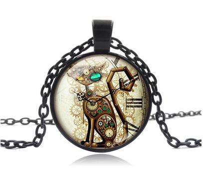 Collier médaillon chat horloge