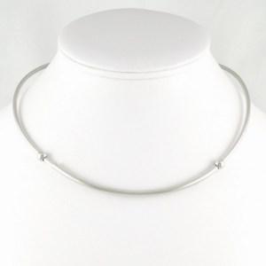 Collier argenté perles ouvert