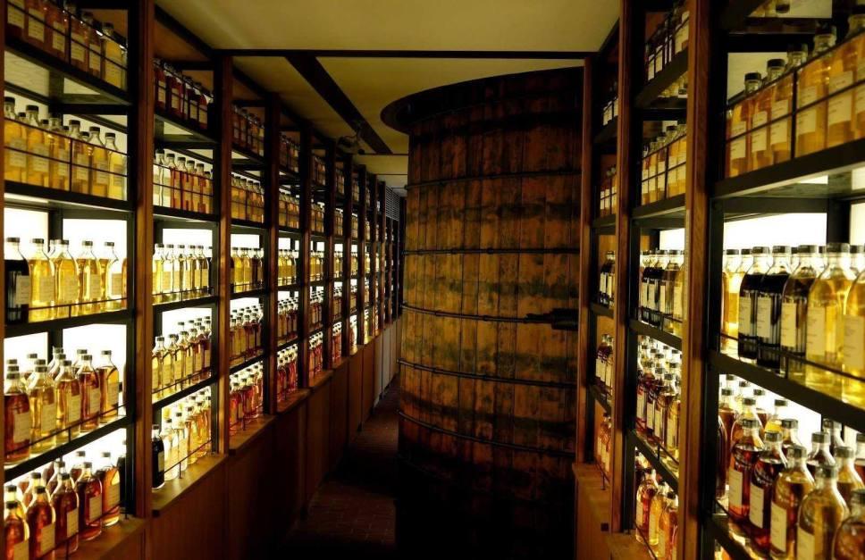 Suntory Yamazaki Japanese whisky distilleries