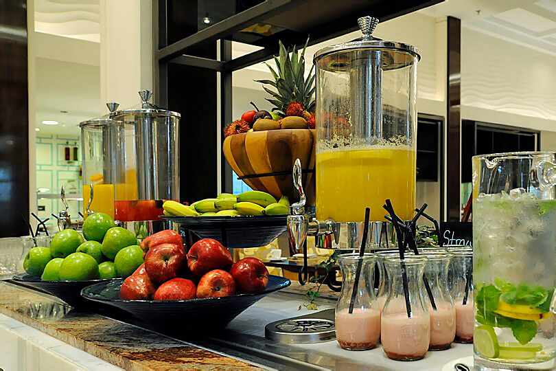 Ritz Carlton Dubai JBR, beakfast