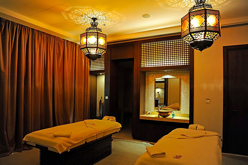 Ritz Carlton Dubai JBR, spa treatment room