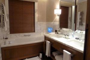 Corinthia Bathroom