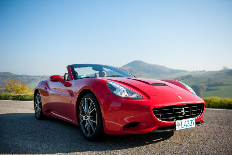 ferrari-best driving experiences in UK