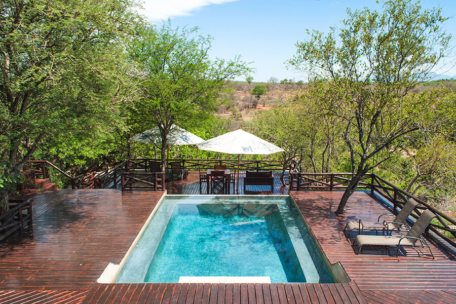 Naledi Game Lodge by Lucy Dodsworth