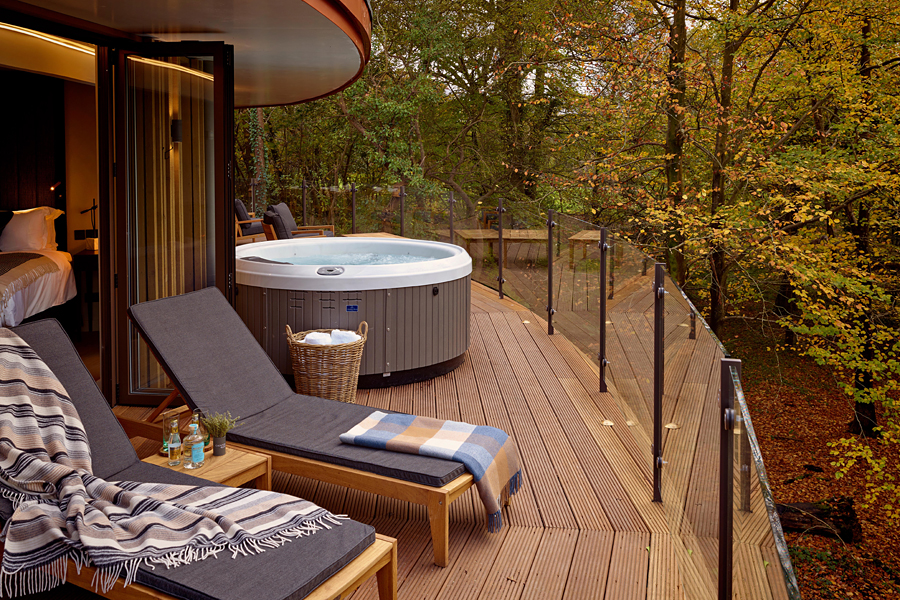 Chewton Glen Treehouse, New Forest, UK