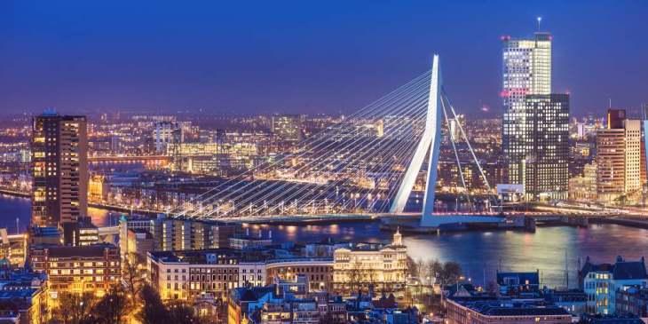 De Rotterdamse woningvoorraad is onvoldoende toekomstbestendig /Gemeente Rotterdam verkoopt groot deel van haar vastgoed
