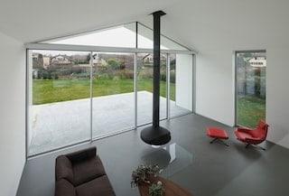 Betonvloer in de woonkamer: Voordelen, Prijs & Inspiratie