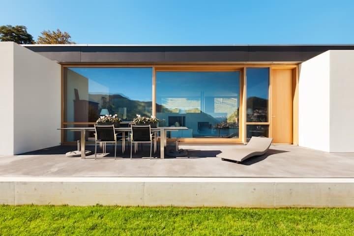 Terras in beton gieten? wat is de prijs en zijn er voordelen & nadelen?