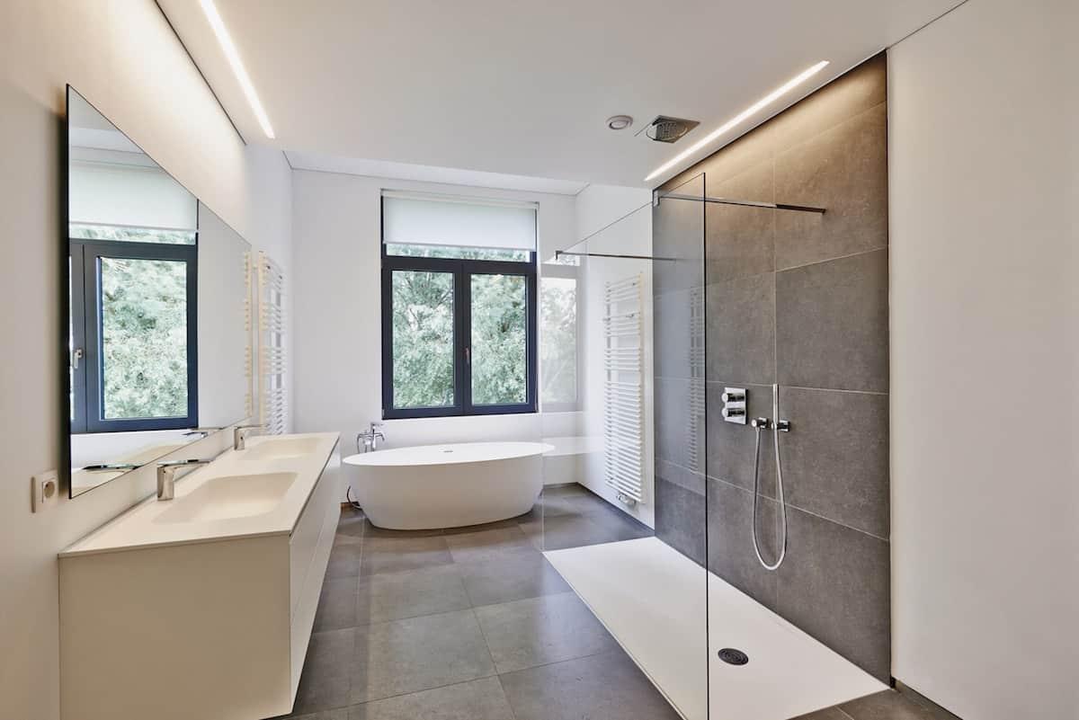 Badkamer Verlichting: Soorten, Voorbeelden & Prijs