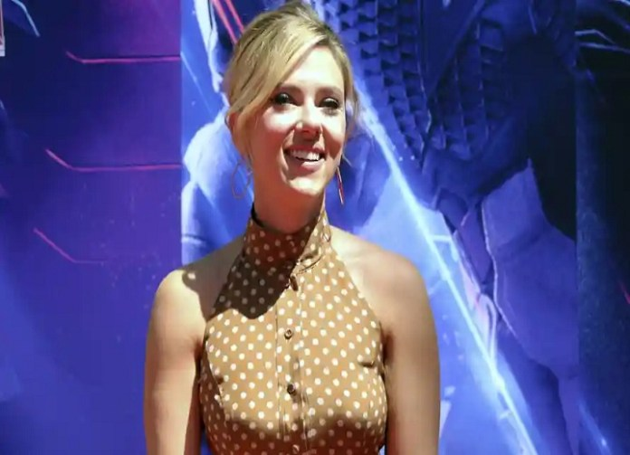 Scarlett Johansson says it's 'unfair' to expect celebrities to 'have public role in society'