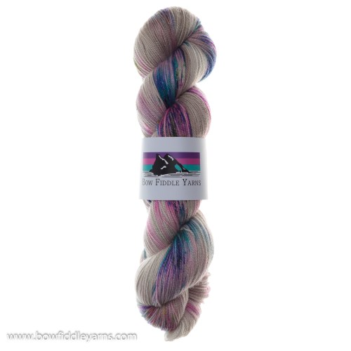 100g Skein of Beige sparkly yarn with multicoloured speckles