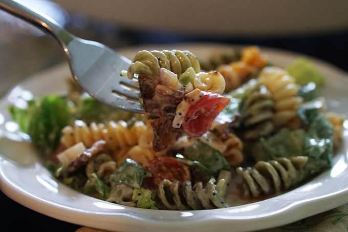 BLT_Pasta_Salad_fork