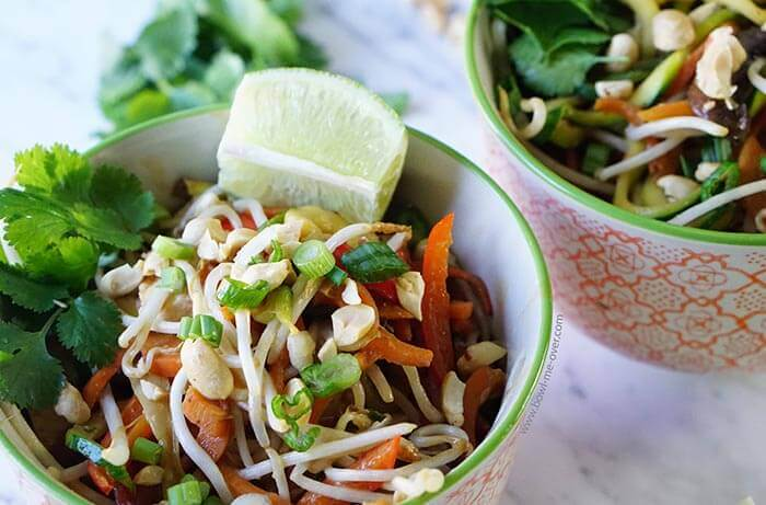 Low Carb Pad Thai Noodle Bowl - full of healthy delicious vegetables and lots of great crunch!