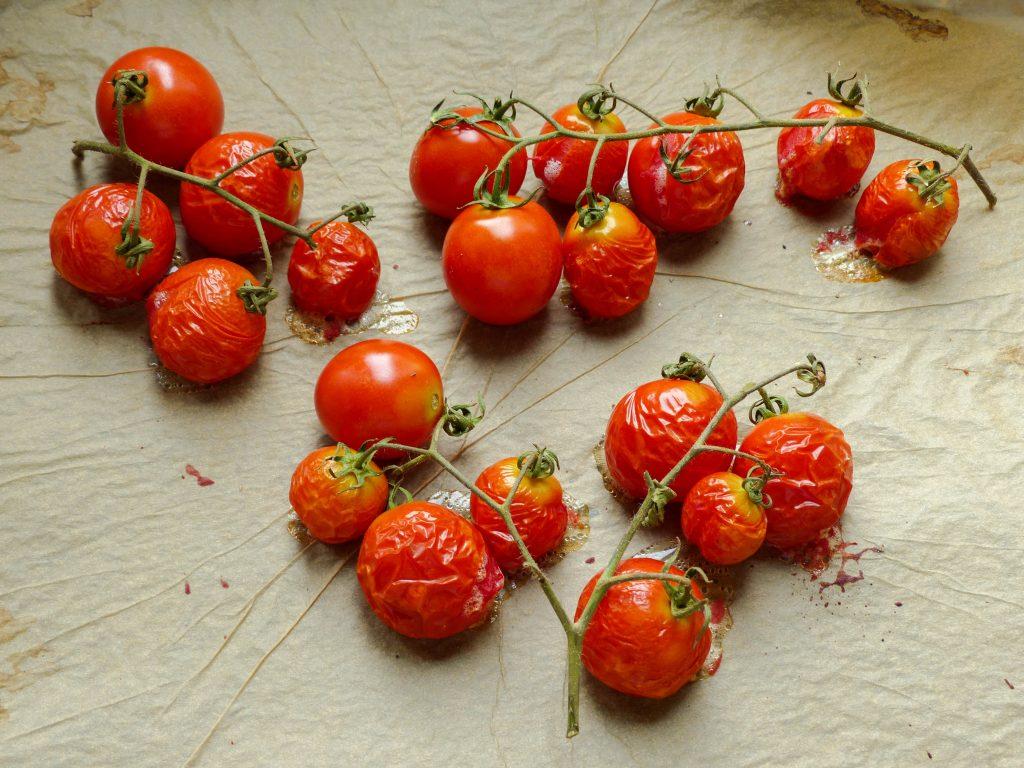 L1050853 LR 1024x768 - Salbei-Pasta mit cremiger Cashewsoße und gerösteten Tomaten