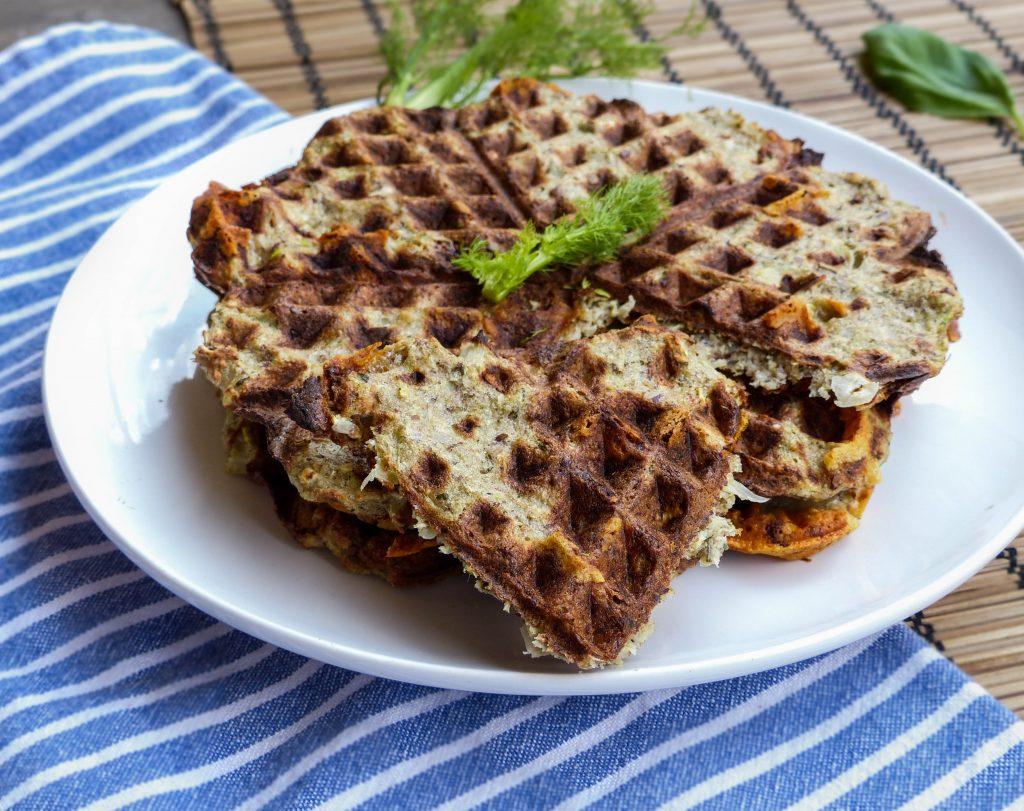 L1050853 LR 35 1 1024x811 - Herzhafte Gemüse-Waffeln: Curry-Karotte und Fenchel-Parmesan