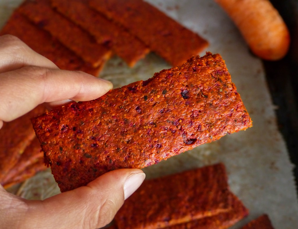 L1050853 LR 58 1024x786 - Herzhaft Snacken: Gemüse Cracker