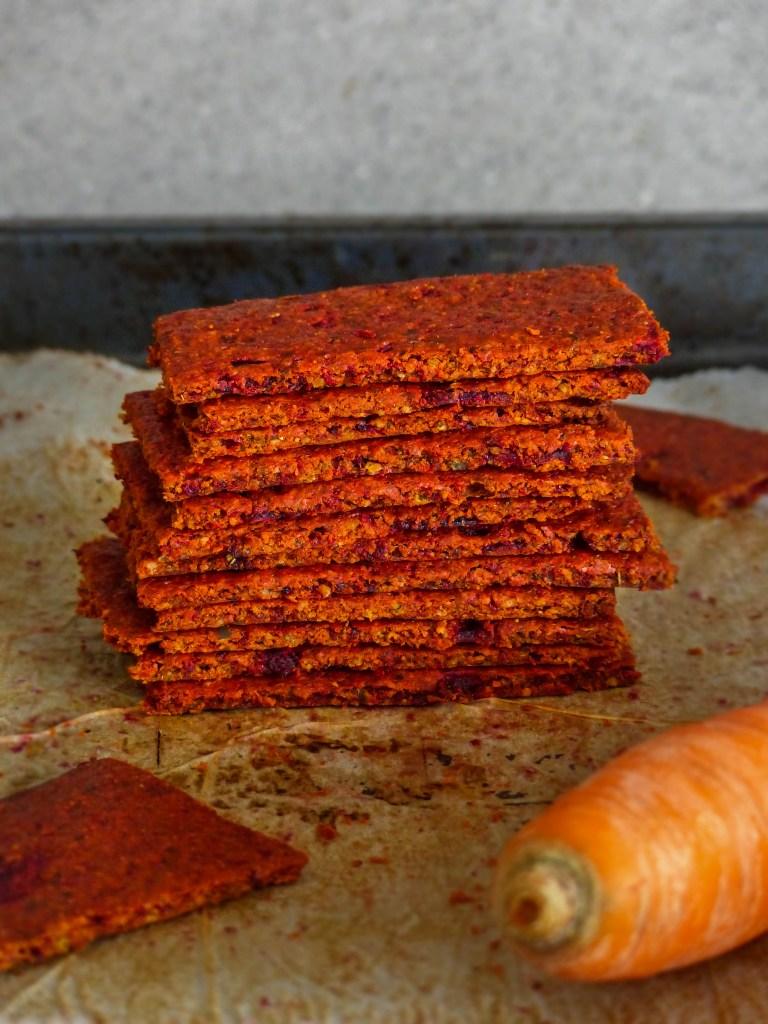 L1050853 LR 61 768x1024 - Herzhaft snacken: Gemüse Cracker