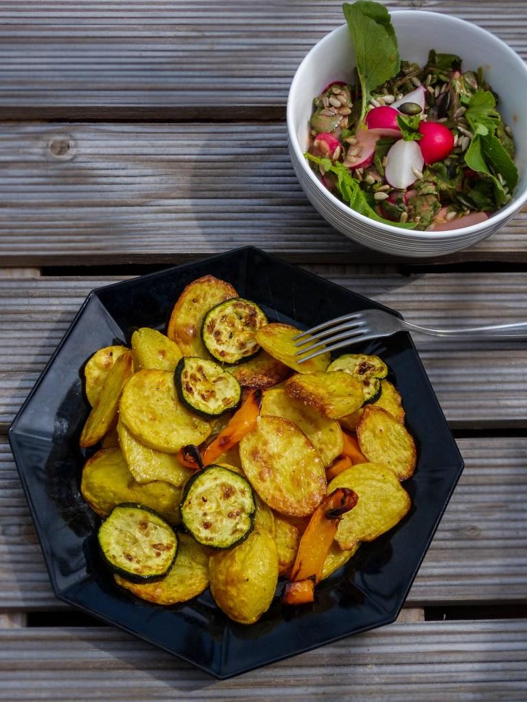 L1050853 LR 72 768x1024 - Nachhaltig kochen: Radieschenblätter Salat