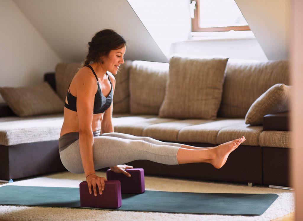 Yoga Blöcke LR 17 1024x746 - Mehr Kraft und Beweglichkeit durch Yoga Blöcke