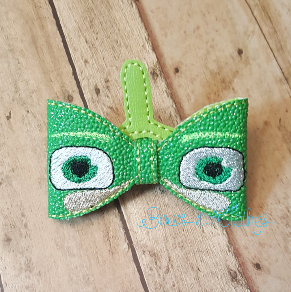 Green Mask Bow