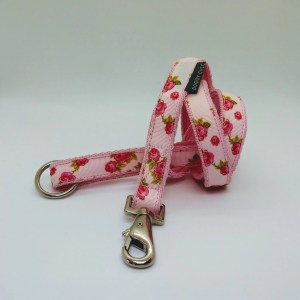 Rose Print Lead in Pink for your dog