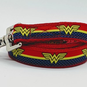 doggy chic wonder woman dog lead in red