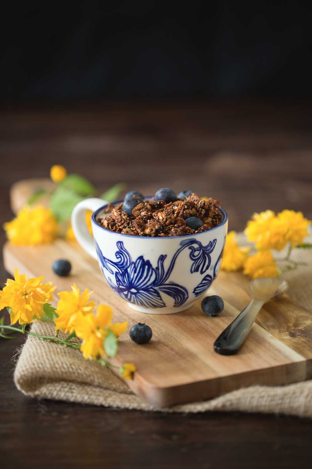 healthy chocolate granola