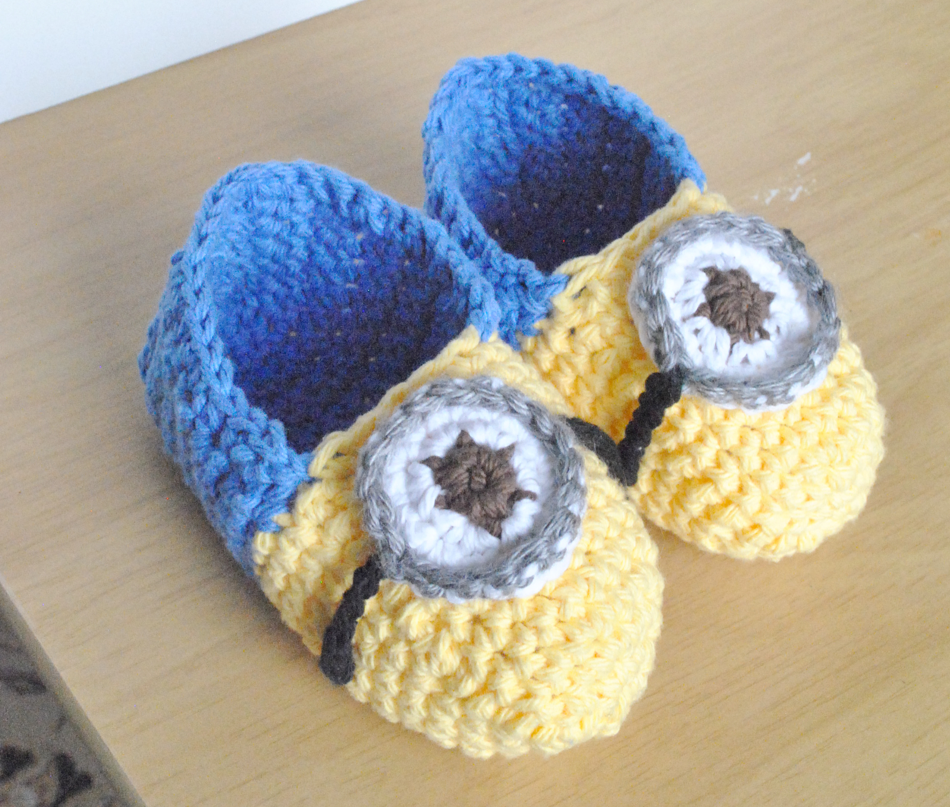 crochet baby booties diagram 1998 ez go gas golf cart wiring free pattern for minion shoes dancox