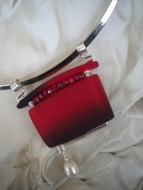 red rubyslide w fresh water pearl