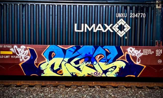 Gradient Unreadable graffiti