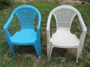 Chaises de jardin peinture pour pvc bleu turquoise avant après