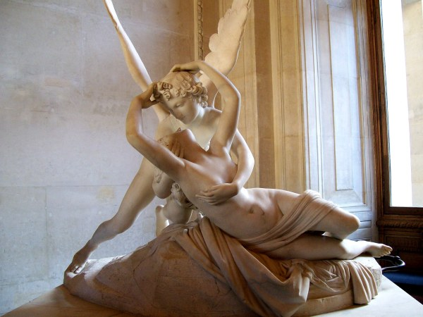 The Most Famous Sculptures at Louvre