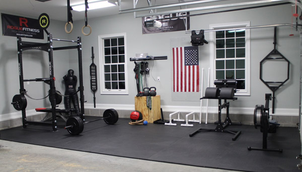 Clean modern Crossfit garage gym