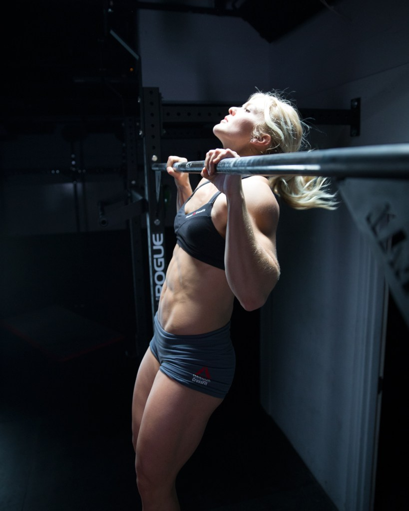 Crossfit chin up for upper back