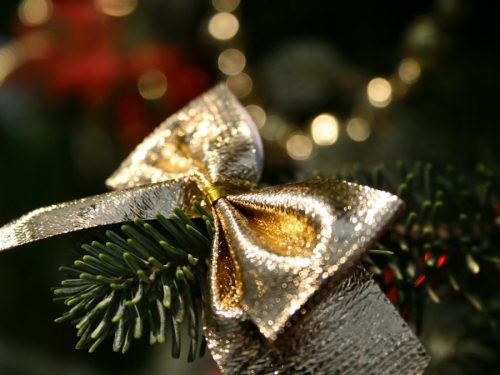 5 Ways to Enjoy the Holidays Amid the Pandemic