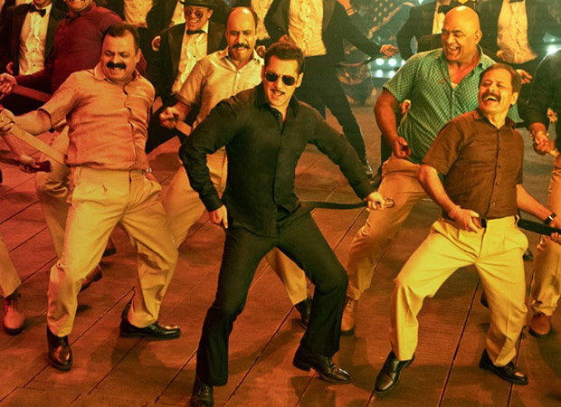 Chulbul Pandey Aka Salman Khan  Turns Item Boy, Drops The Teaser Of Munna Badnaam