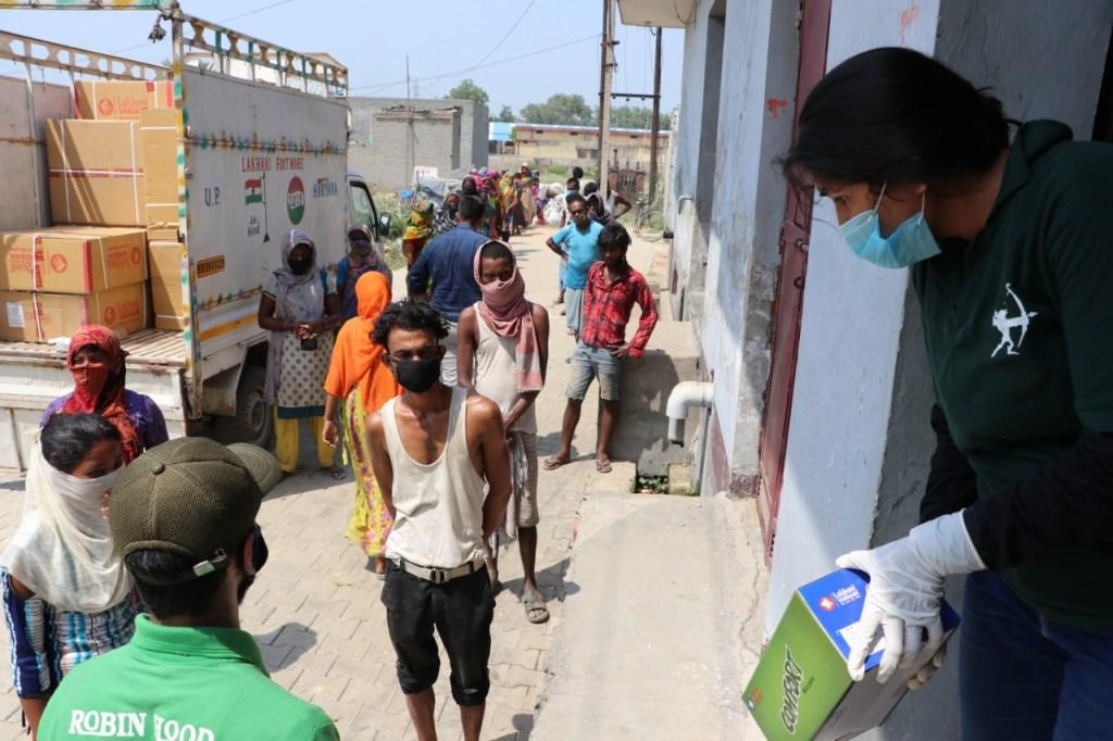 Bhumi Pednekar Helps Migrant & Underprivileged Labourers In Need Of Footwear!