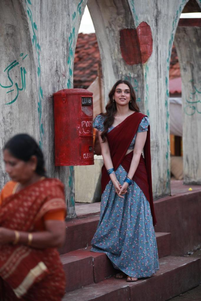 """I really enjoyed it because somewhere you create your own world with silence"", Says Aditi Rao Hydari About Her Character In 'Sufiyum Sujatayum'"