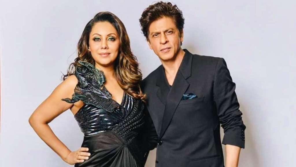 """Chalo ghar mein kisi ko toh award mil rahein hain!!!"", Says Shah Rukh Khan Congratulating Gauri Khan For Winning An Award"