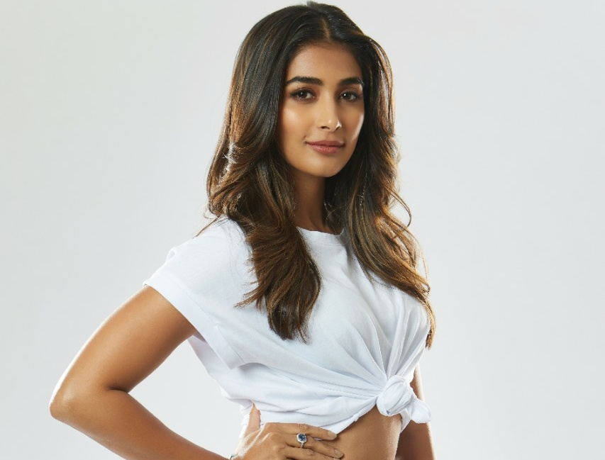 """Pooja Hegde On Her Round-the-clock Schedule: """"Satisfying to be so tired that the moment you hit the bed, you fall asleep"""""""