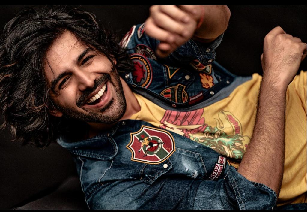 Kartik Aaryan Is Glad That 2020 Is Coming To An End, Shares A Fun Post!