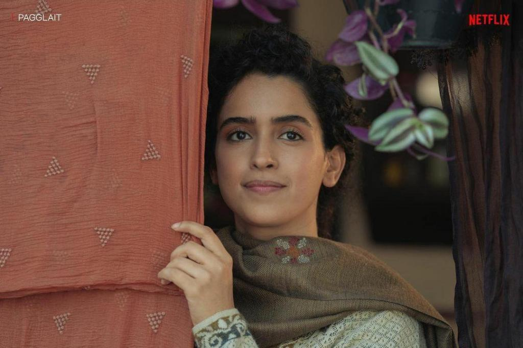 Pagglait Review: Sanya Malhotra Presents An Insightful Tale With Utmost Perfection!