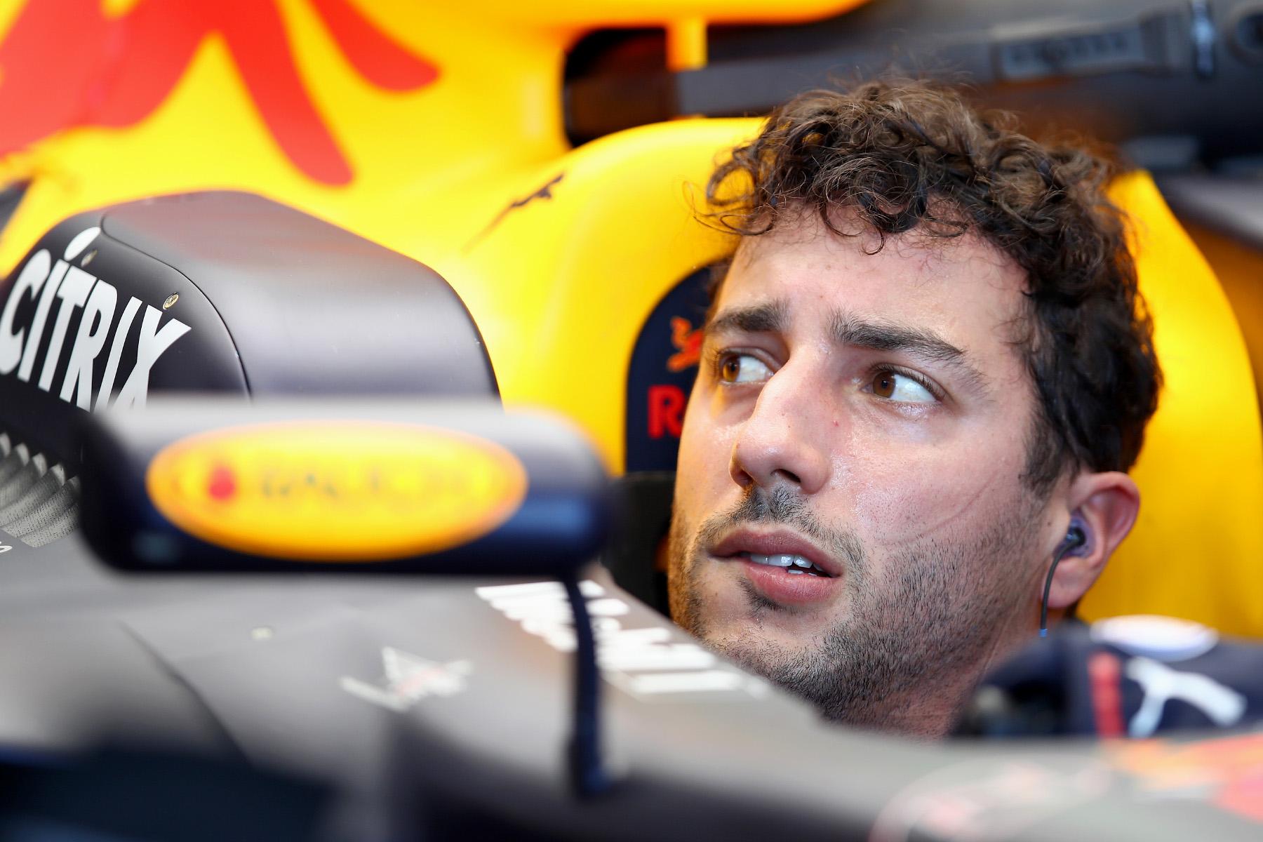 Qualifying crash a mystery: Ricciardo