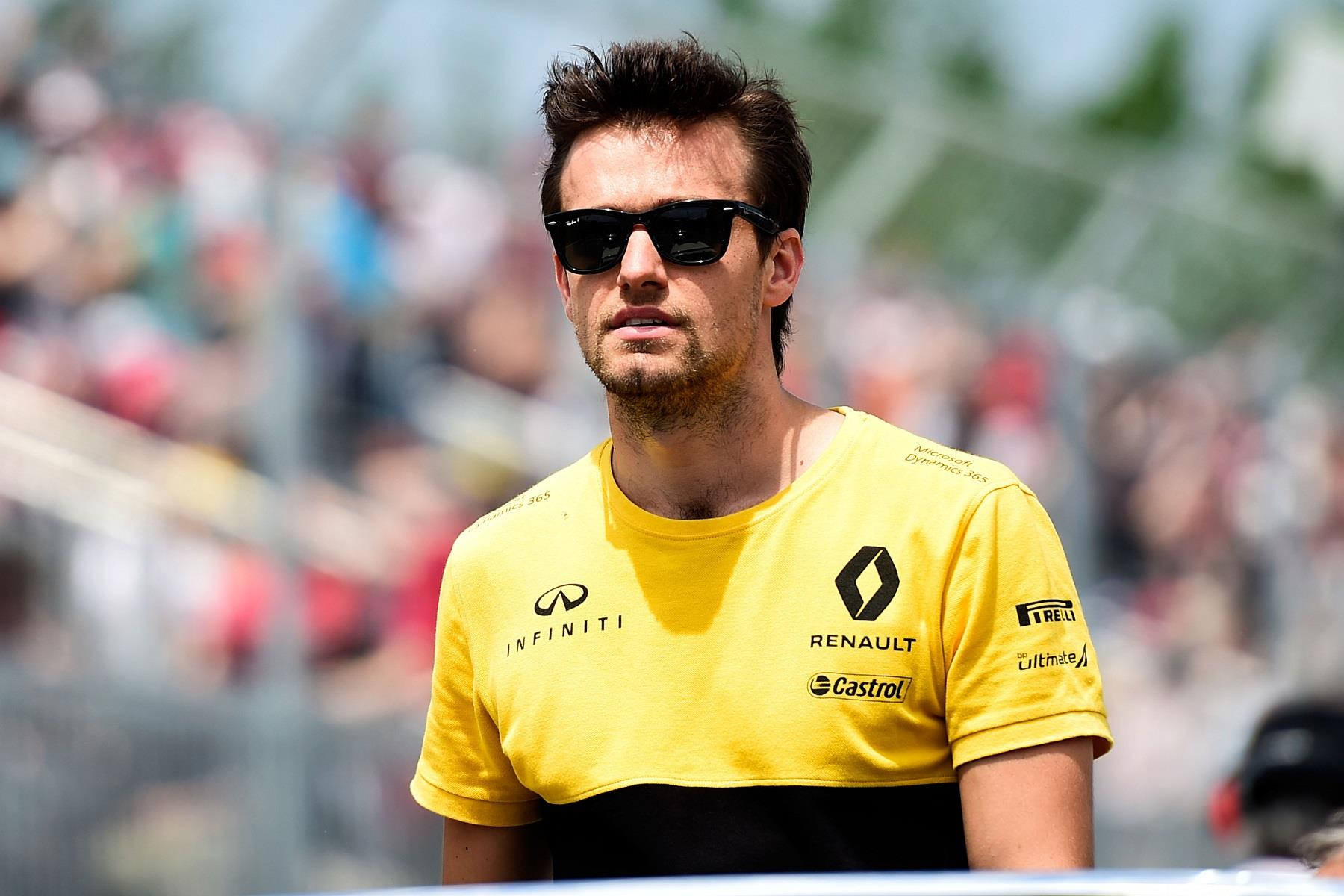 Jolyon Palmer on a parade lap.
