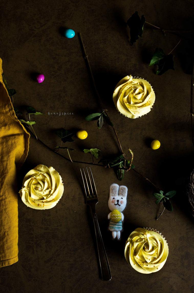 Easter Vanilla Cupcakes I Boxofspice