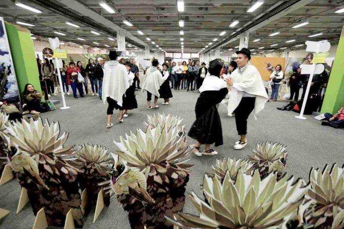Boyacá en Corferias, Bailando en la época bicentenaria