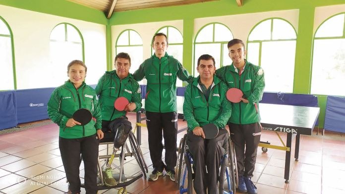 Paola Morales, Rafael Cristancho, Jorge Cómbita, David Cucaita y el técnico Giovanni Fonseca de Boyacá.