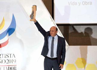 Fabio Enrique Parra fue exaltado con la distinción Vida y Obra.