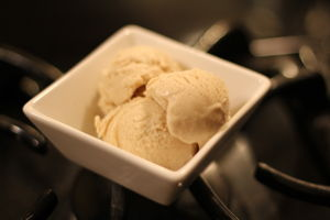 Roasted cinnamon ice cream