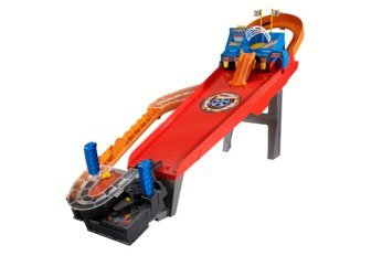 Car + Arcade game = Carcade